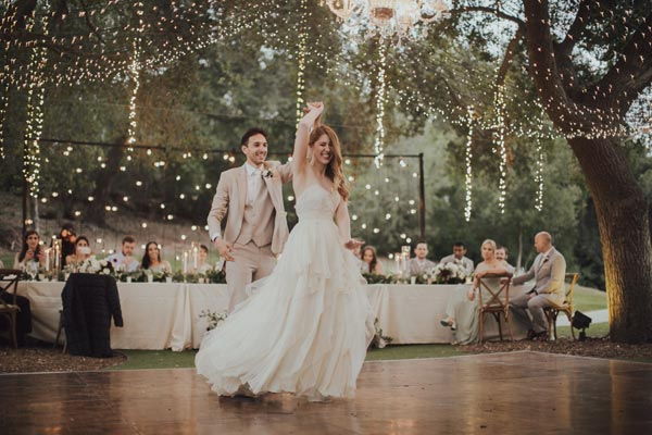 Maddie & Kyle's beautiful first dance