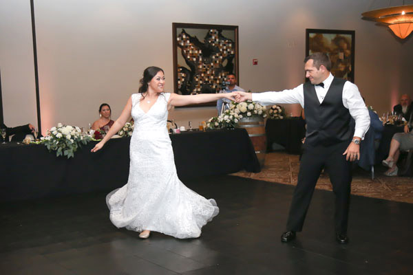 A fabulous pose in their wedding dance