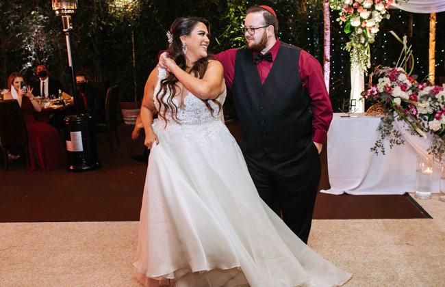 Looking great in wedding dance